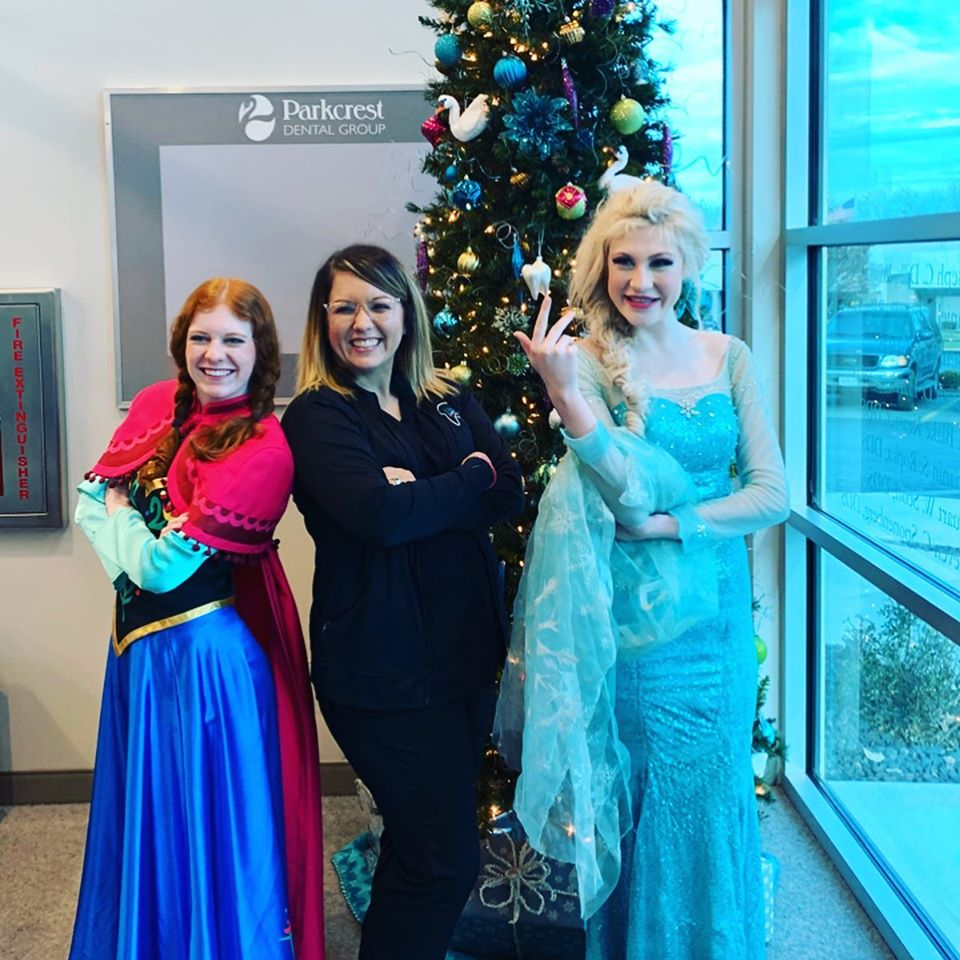 Elsa and Anna actors visiting Parkcrest Dental Group
